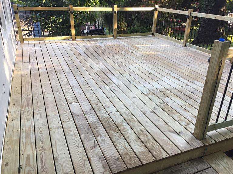 deck-prepped-and-cleaned-for-staining